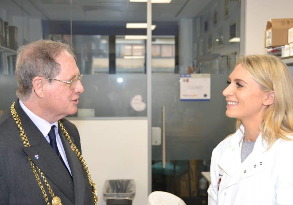 Dr Victoria Shuttleworth (aHUS lab manager) with the Mayor